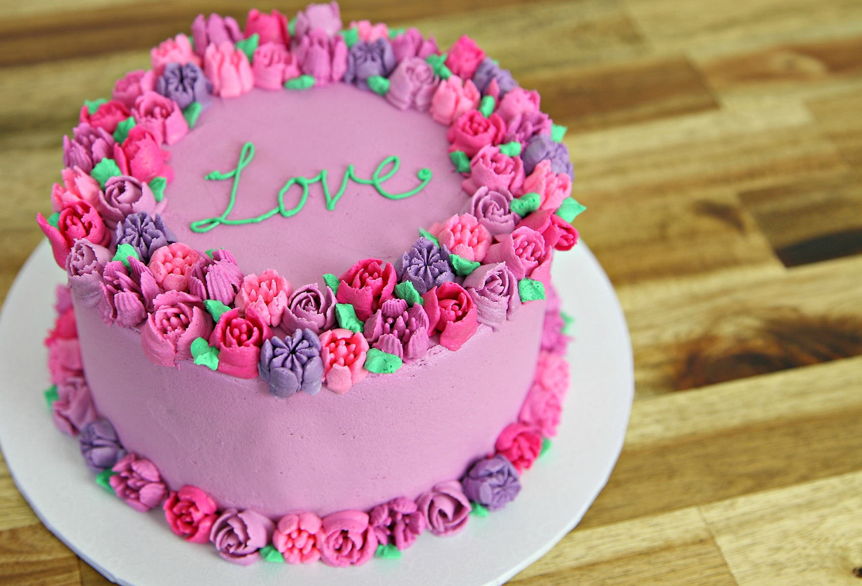 Cake Decorated With Piped Roses : Russian Piping Tip Cake - Cake Style