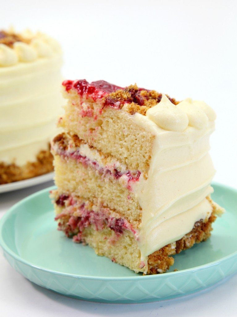 Almond strawberry cake 4.1