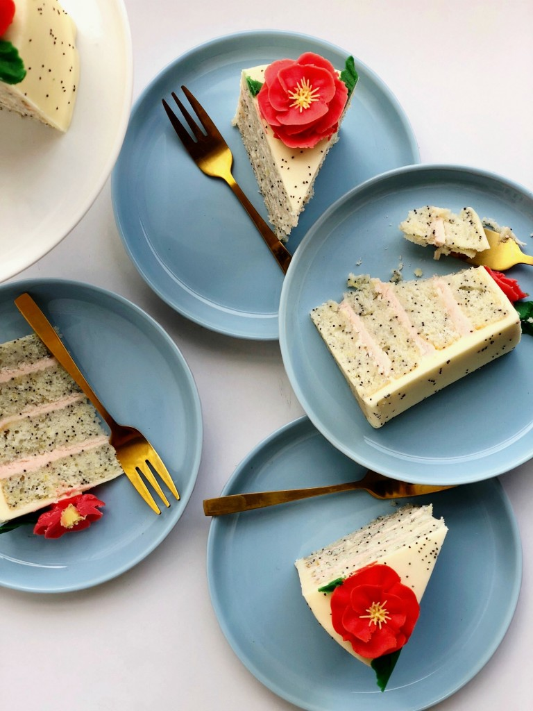 Poppy cake slices