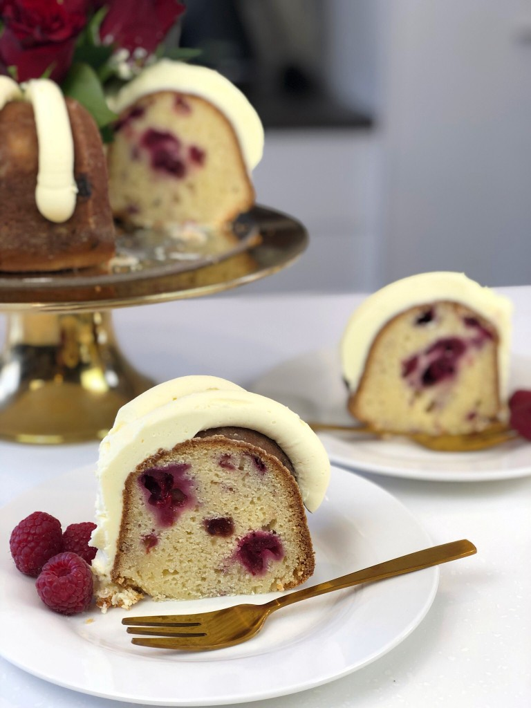 white choc rasp bundt slice